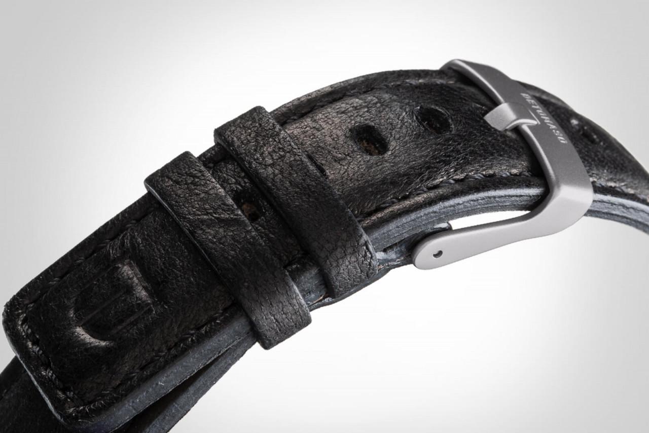 VIAGGIO AUTOMATIC IVORY - LEATHER STRAP BLACK